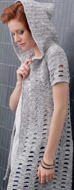 Жакет с капюшоном крючком