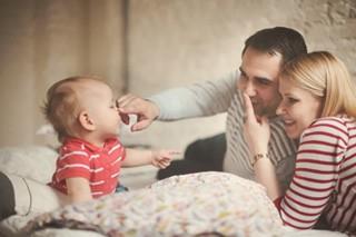Как отучить малыша от рук
