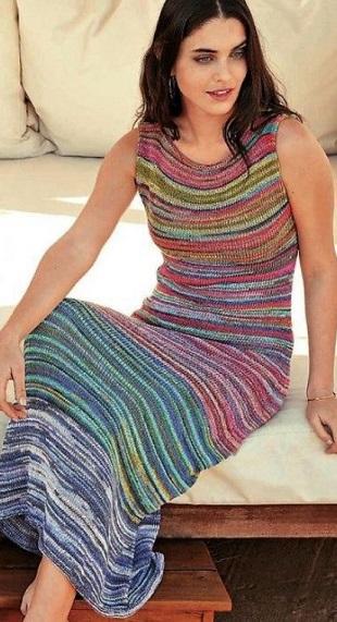 Летнее длинное платье спицами