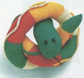 Змея спицами