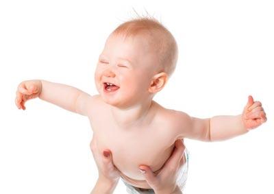 Гимнастика и массаж для малыша в 5 месяцев
