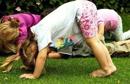 Регулярная зарядка и упражнения с двухлетним малышом