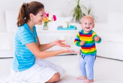 Ребенок в 1 и 3 месяца привыкает к самостоятельности