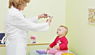 Посещение врачей, если малыш не говорит в 2 годика