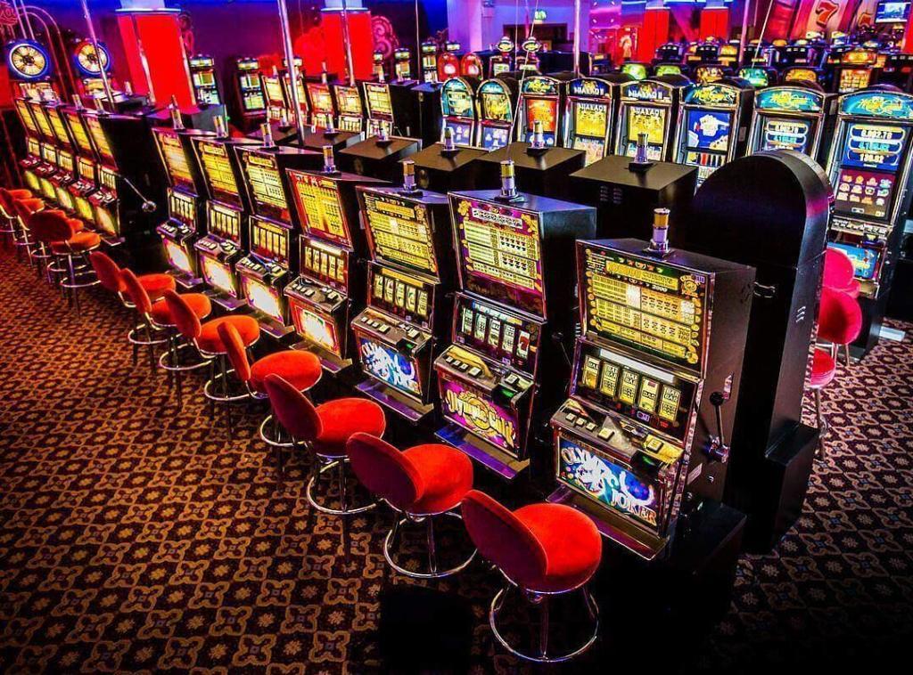 Играем в игровой автомат Fruit Cocktail в Imperator Casino