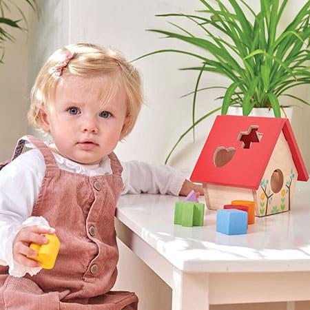 Развитие ребенка в 1 год и 4 месяца: навыки, питание, режим дня