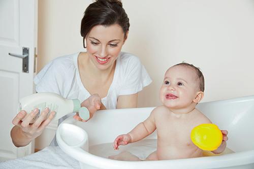Режим дня ребенка в 11 месяцев по часам и его питание