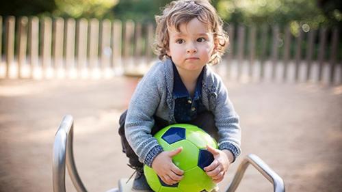Режим дня ребенка в 2 года по часам: дома и в детском саду