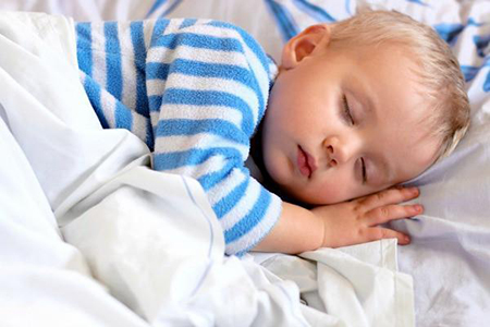 Сон крохи в год и 6 месяцев