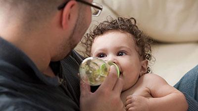 Рост и вес ребенка в 3 месяца: нормы для грудничков на грудном и искусственном вскармливании