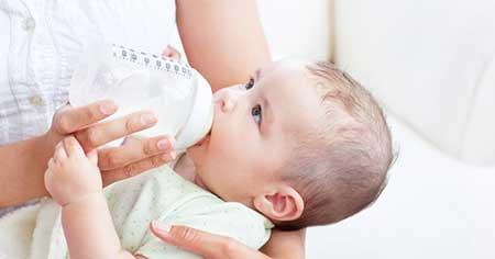 Питание малыша в 4 месяца